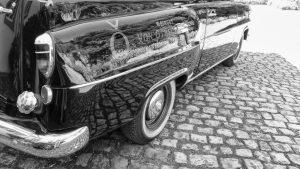 Ein Wagen mit Potsdamer Kennzeichen... Wem der wohl gehört?