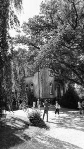 Der verwunschene Park des Weinguts Dr. Wagner in Saarburg