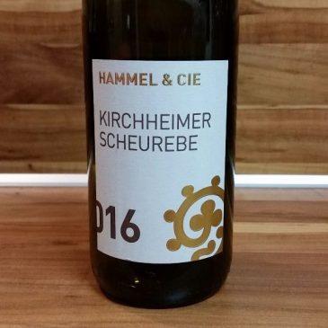 """Hammel & Cie., Pfalz – Kirchheimer Scheurebe trocken 2016 oder: Warum es schwierig ist, eine Verkostungsnotiz eines """"Hammelweins"""" zu schreiben"""