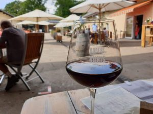 Weingut Robert König - eine Spätburgunder-Neuentdeckung aus dem Rheingau Straußwirtschaft
